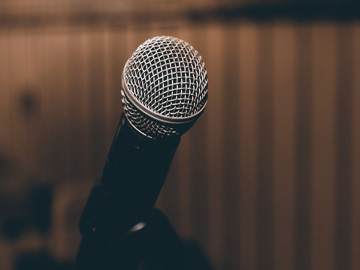 thematique-artistique-microphone-1206362-1280-pixabay-small-jpg